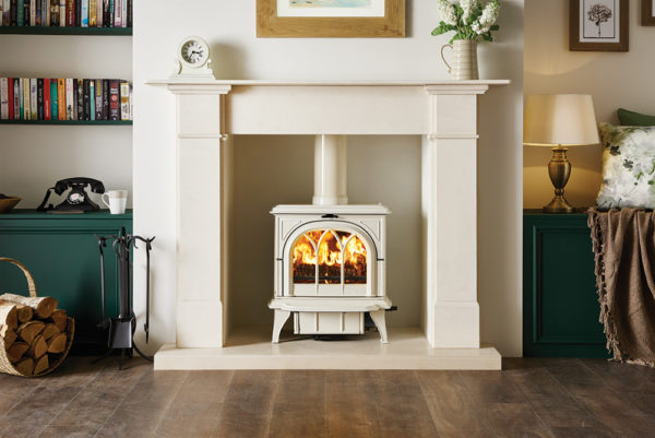 Ivory-multi-fuel-Huntington-30-with-tracery-door-burning-logs_2-lb