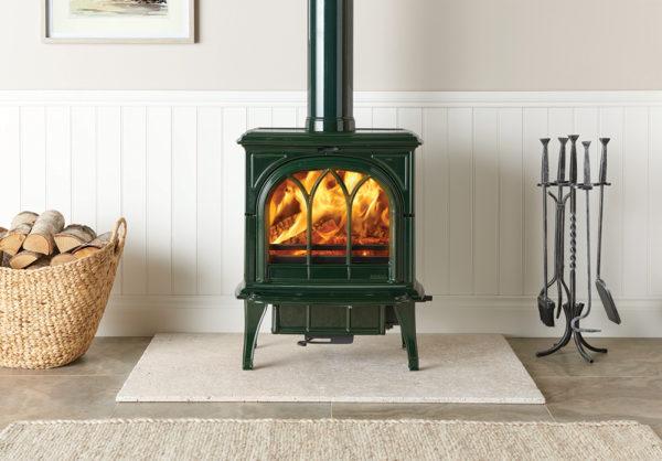Laurel-Green-multi-fuel-Huntingdon-35-burning-logs_2-lb